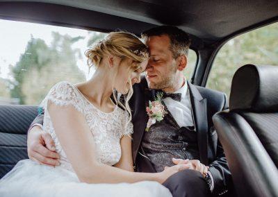 Sommerliche Landhochzeit Niedersachsen Brautpaar